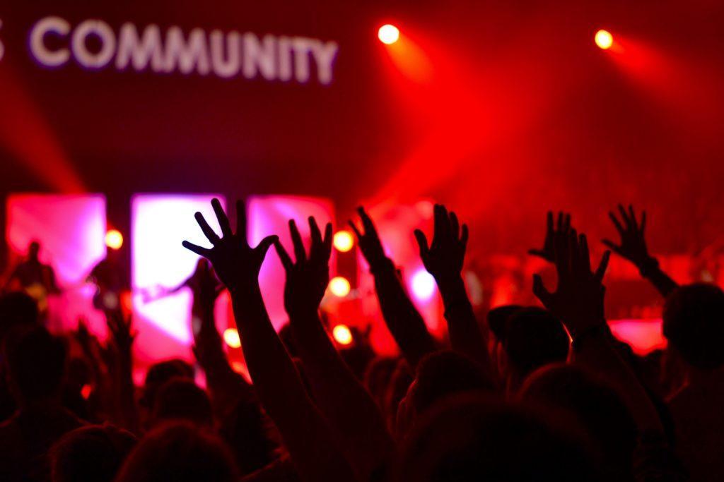 Ideas para la gran inauguración: Usar la gran inauguración para establecer relaciones con la comunidad local.