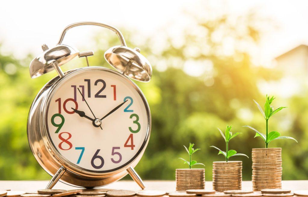 Cómo asignar precios a las entradas para un evento: Aumentar los precios gradualmente a medida que se acerque el día del evento.